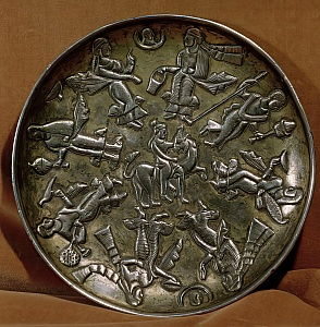 Dish with relief decoration depicting the goddess Anahita surrounded by eight female figures (silver)