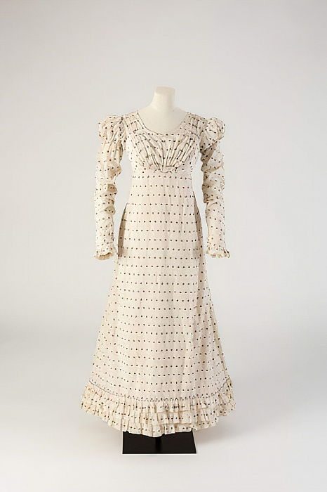 White woven cotton frock with red and blue fleck, 1816 (cotton) by Unbekannt Unbekannt